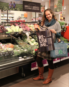1 Lisanne presenteert Beat the Bag tassen small